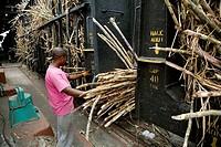 Sugar cane factory. La Romana. Dominican Republic./ Fábrica de azúcar La Romana. Maquinaria para la trituración y preparación de la caña, para extraer...