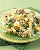 Pasta and artichoke salad (thumbnail)