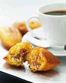 honey and date madeleine sponge cakes