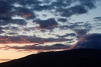 Sunset with clouds in Maui, Hawaii, USA (thumbnail)