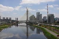 Ponte Octávio Frias de Oliveira on River Pinheiros, São Paulo, Brazil