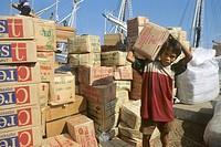 lavoro minorile, facchinaggio, sulawesi, indonesia