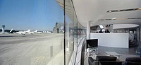 TAG AVIATION AIRPORT, FARNBOROUGH, HAMPSHIRE, UK, REID ARCHITECTURE, INTERIOR, TERMINAL WAITING LOUNGE TO APRON