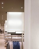 DE BIJENKORF, ENSCHEDE, HOLLAND, VIRGILE AND STONE ASSOCIATES LTD, INTERIOR, SHOP FLOOR FEATURING LIGHT WALLS