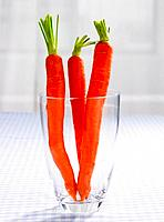 Close-up of carrots in a glass (thumbnail)