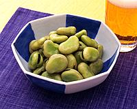 Horsebeans and Beer, Close Up