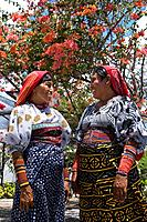KUNA NATIVE INDIAN WOMEN IN INDIGENOUS COSTUME PANAMA CITY REPUBLIC OF PANAMA