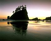 Second Beach at la Push, the one of the most popular of the wilderness beaches in Olympic National Park