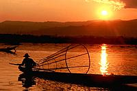 Myanmar _ Inle Lake _ Intha Fisherman