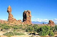 USA _ National Park _ Arches _ Balanced Rock
