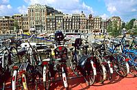 Pays Bas _Amsterdam _ Open Haven _ Parking à vélos