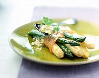 Bundle of asparagus with smoked salmon