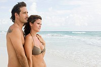A couple on the beach (thumbnail)