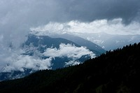 USA, WA, Olympic National Park, Hurricane Ridge, storm clouds over mountains