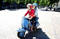 Couple on scooter (thumbnail)