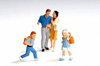 Plastic figurines, Parents and schoolchildren