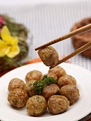 table mat, chopsticks, tableclothe, decoration, food styling, meatball