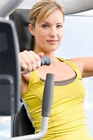 Woman at the gym (thumbnail)