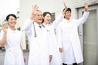 Doctor and nurse who wave hand (thumbnail)