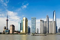 Skyscrapers at the waterfront, Oriental Pearl Tower, Huangpu River, Lujiazui, The Bund, Shanghai (thumbnail)