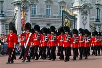 England _ London _ St James's district _ Buckingham Palace _ changing of the guard