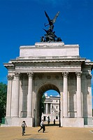 England _ London _ Mayfair district _ Hyde Park Corner _ Wellington Arch _ Quardiga statue