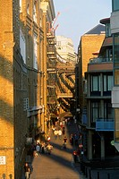 England _ London _ Southwark district _ Shad Thames _ people walking on walkway