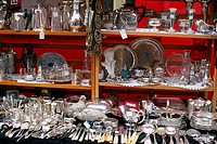 England _ London _ Notting Hilll district _ Portobello Road Market _ antique silverware