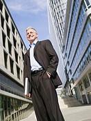 Germany, Baden_Württemberg, Stuttgart, Businessman with hand in pocket
