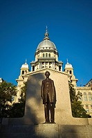 USA Illinois Springfield New Capitol Building Abraham Lincoln Statue