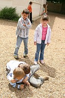 CONFLICT CHILD Photo_essay in a mixted_grade class with last year kindergarten and 1st grade.