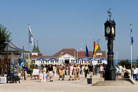 Pier, people, Ahlbeck, Usedom, Baltic Sea, Mecklenburg-Western Pomerania, Germany, Europe