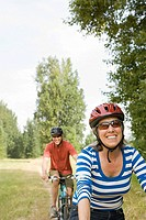 Cyclist couple
