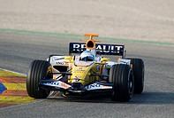 Fernando ALONSO, Spain, driving a Renault F28 during a Formula 1 test run at the Circuit Ricardo Tormo racetrack near Valencia, Spain