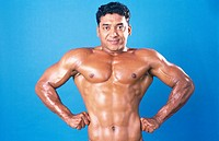 Body builder showing front lateral spread MR411