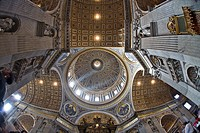 Crossing and cupola, interior of St. Peter´s Basilica, Rome, Italy, Europe