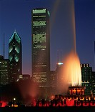 Buckingham Fountain in Grant Park and skyline, Chicago