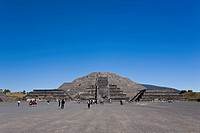 Tourists in front of a pyramid, Piramide De La Luna, Teotihuacan, Mexico