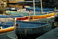 Fishing boats in harbour in the evening, Cassis, Bouches_du_Rhone, Cote d´Azur, Provence, France, Mediterranean, Europe