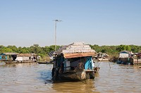 Tonle Sap Lake, Vietnamese Boat People, near Siem Reap, Cambodia, Indochina, Southeast Asia, Asia