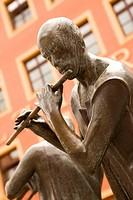 Sculptur ´Munzenberger Musikant´, at market square, Quedlinburg, Saxony_Anhalt, Germany, artist Wolfgang Dreysse, Marktplatz