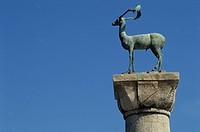Close_up of Buck statue at the entrance to Mandraki Harbour, Rhodes, Dodecanese Islands, Greek Islands, Greece, Europe