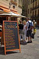 Tapas restaurant, Avda de la Catedral, Gothic Quarter, City of Barcelona, Catalonia, Spain, Europe