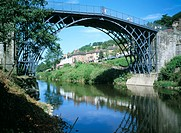 The Iron Bridge across the River Severn, Ironbridge, UNESCO World Heritage Site, Shropshire, England, United Kingdom, Europe