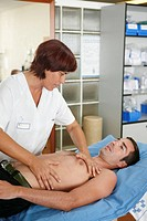 Occupational therapy, physiotherapy, mechanical ventilation on diaphragm, thoracic vibration maneuvers. Hospital Universitario de Gran Canaria Doctor ...