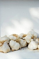 Heap of garlic (thumbnail)