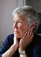 Kvinna, 72 År, Mature Woman Sitting With Hands On Cheeks , Close_Up