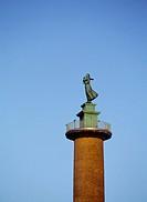 Statyn Sjömanshustrun, I Göteborgs Hamn.
