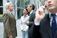 Business People Talking , Differential Focus (thumbnail)