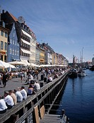 Foto: Thomas Carlgren/ SCANPIX Code 65125, Tourist At Harbor